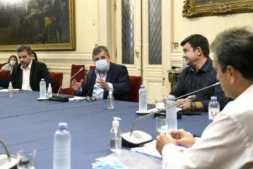 Asamblea Legislativa: Massa se reunió con presidentes y autoridades de bloque