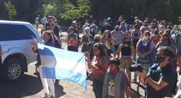 Marcha y pedido de renuncia en la fiscalía de Villa La Angostura por el femicidio de Guadalupe
