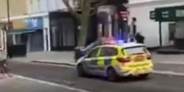 Salió a correr desnudo y lo persiguió la policía