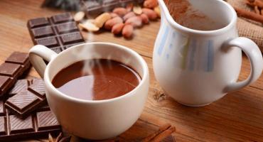 Chocolate en taza, saludable: lo recomiendan para mejorar la fertilidad y superar la depresión