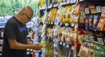 Advertencia de las empresas de alimentos al Gobierno: no pueden mantener los precios congelados