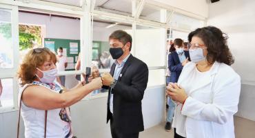 Por estar vacunado, Kicillof no se aislará pese a haber compartido un acto con Vizzotti