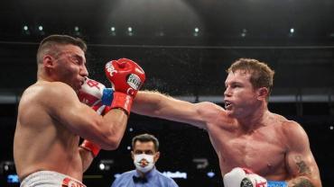 Canelo Álvarez noqueó a Avni Yildirim en tres rounds