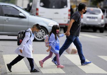 Este lunes vuelven las clases presenciales en Buenos Aires y otras 12 provincias de Argentina