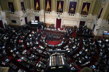 Fernández pidió al Congreso que apure los cambios en Ganancias y en Monotributo