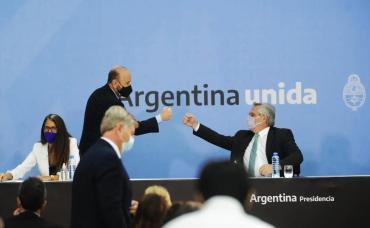 Pese a críticas y denuncias por excesos en Formosa, Alberto Fernández se mostró con Insfrán en el acto por el #8M
