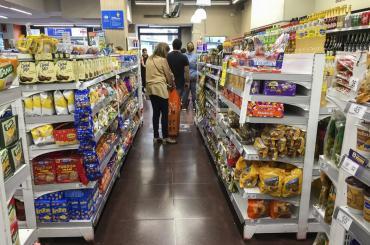 INDEC: las ventas en supermercados en Argentina cayeron 5,8% interanual en febrero de 2021