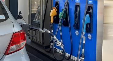 Impagable: el litro de nafta roza los $93 en Ciudad de Buenos Aires y superó los $102 en el interior