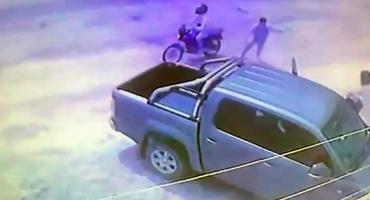 VIDEO: niños de 6 y 8 años defendieron a su mamá de un ataque motochorro en Corrientes