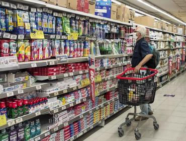 La estanflación destroza a la clase media argentina con más billetes de $1.000 y menores ingresos