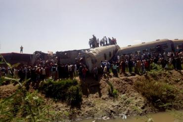 Impresionante choque de trenes en Egipto: al menos 32 muertos y 66 heridos