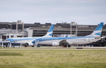 Por nueva ola de coronavirus, Aerolíneas Argentinas canceló los vuelos a México, Brasil y Chile hasta el 9 de abril