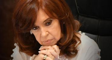 El gobierno formalizó la decisión de Cristina Kirchner de renunciar a su sueldo