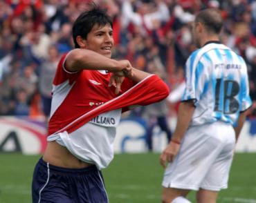 Independiente va a la carga por el regreso del Kun Agüero