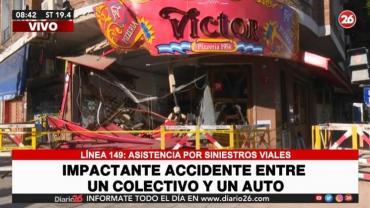 Pudo ser una tragedia: colectivo chocó con un auto y se incrustó en una pizzería de Vicente López