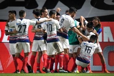 San Lorenzo venció a Platense en un partidazo y quedó segundo en el grupo A