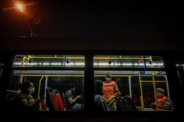 """Tras primer día de controles, el Gobierno aseguró que hubo una """"merma"""" de pasajeros en transporte público"""