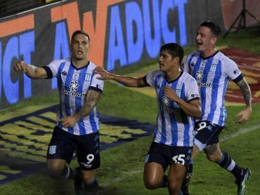 Racing le ganó 1 a 0 a Independiente con un polémico penal sobre la hora
