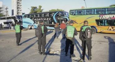 Transportistas bloquearon terminales en las capitales provinciales en protesta contra las restricciones