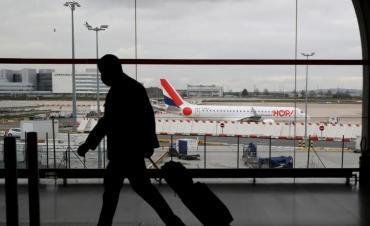 Según una calificadora de riesgos, tráfico de pasajeros aéreos se normalizaría recién en 2025