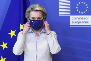 La presidenta de la Unión Europea dijo estar listos para hablar sobre la liberación de patentes de vacunas