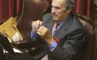 Internaron al senador nacional Carlos Reutemann