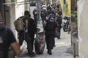 Río de Janeiro sangrienta: al menos 25 muertos en favela tras operativo policial contra banda narco