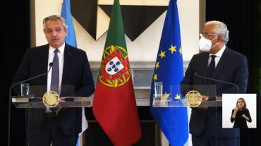 Alberto Fernández en Portugal, por acuerdo con FMI: