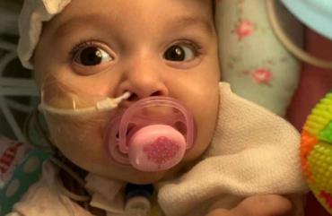 El día más esperado: Emmita recibió el medicamento más caro del mundo
