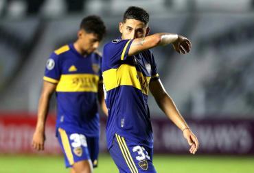 Boca cayó ante Santos, se complicó en la Copa Libertadores y llega con dudas al duelo con River