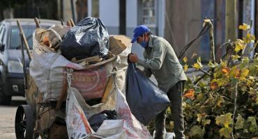 La pobreza se ubicó en el 40,6% en el primer semestre del año y alcanzó a más de 18 millones de personas