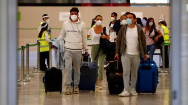 España anunció apertura de fronteras a turistas vacunados, pero no podrán entrar argentinos con la Sputnik V