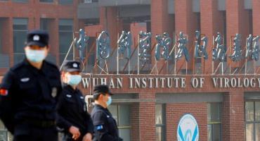 Nuevos cruces entre China y EEUU por origen del covid: Biden no descarta hipótesis del laboratorio