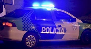 Un policía fue apuñalado salvajemente en medio de un operativo