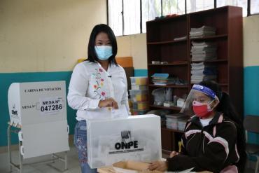 Ballotage en Perú: Fujimori lidera el recuento en Perú a falta del voto rural y del exterior