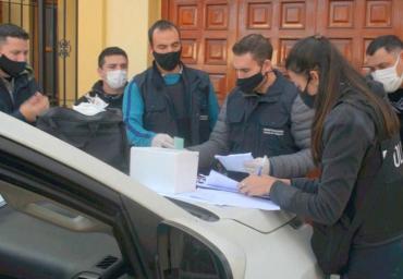 Desbarataron un vacunatorio clandestino contra coronavirus en la provincia de Mendoza: seis detenidos