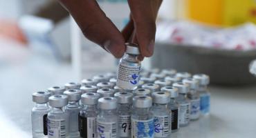 ¿Son efectivas las dos dosis de Pfizer o AstraZeneca contra la hospitalización por la variante Delta?