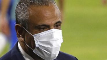 """La defensa de Chile tras el polémico tuit acerca de Brereton: """"No lo controlamos nosotros"""""""