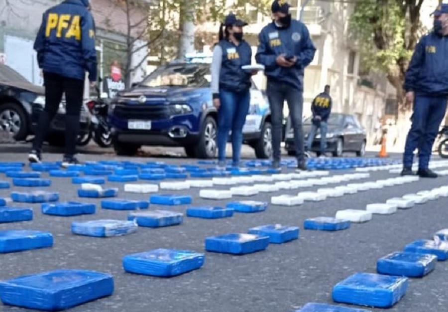Santa Fe: allanaron a una banda narco y le encontraron 369 kilos de cocaína