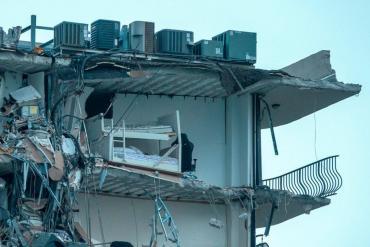 Recuperaron otro cuerpo entre los escombros y ya son 28 los muertos por el derrumbe en Miami