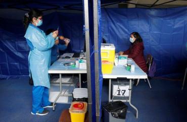 Alerta en el gobierno por la posible circulación comunitaria de la variante Delta de coronavirus