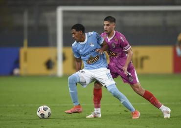 Se le escapó en el final: Arsenal cayó con Sporting Cristal por 2 a 1 en Lima