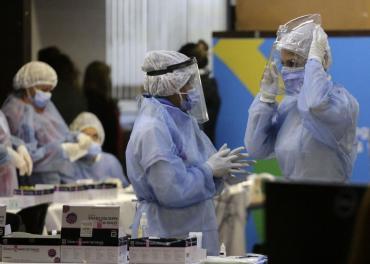 Alarma en Córdoba: volvió del exterior y contagió a 13 personas con la variante Delta de Coronavirus