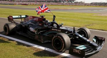 Fórmula 1 al rojo vivo: Hamilton ganó el Gran Premio de Gran Bretaña tras polémico toque con Verstappen