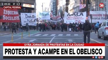 Otra jornada de caos por protesta, piquete y acampeo en el centro porteño