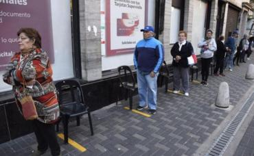 Permitirán que desocupados se jubilen a los 55 años si cuentan con 30 de aportes