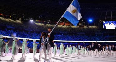 Con Lange y Carranza como abanderados, Argentina desfiló en la ceremonia Inaugural de los Juegos Olímpicos de Tokio