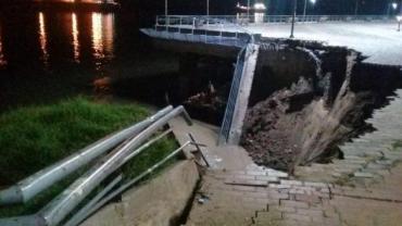 Por la bajante del Río Paraná, se derrumbó un sector del muelle del Parque España en Rosario