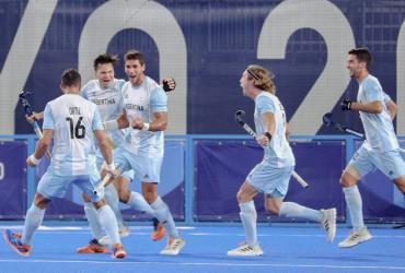 Con dos golazos, Los Leones vencieron a Japón y lograron su primer triunfo en Tokio 2020