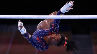 Shock en los JJOO: Simone Biles quedó fuera de la final por equipos y Rusia se quedó con el oro